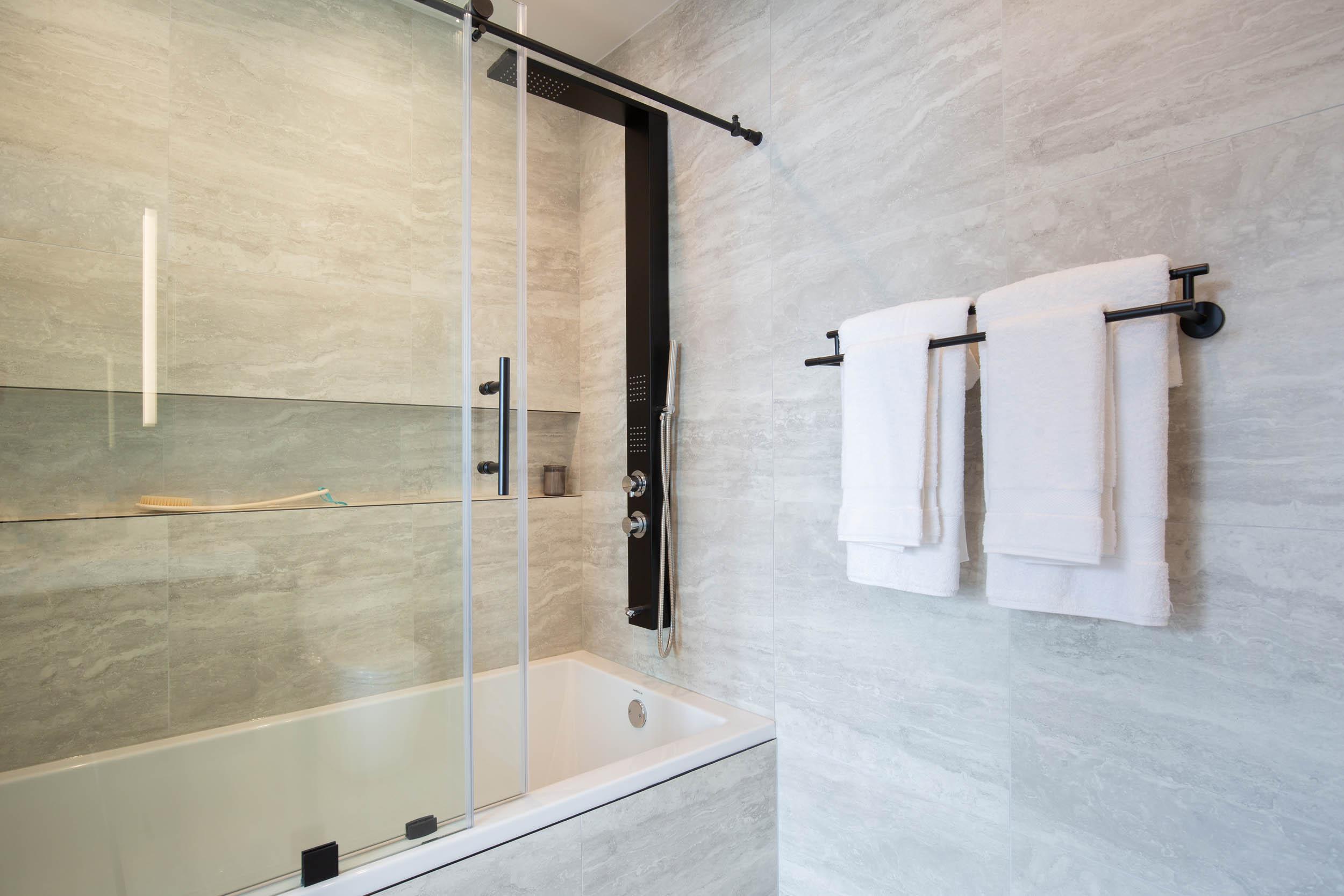 3BR A Bathroom Modern